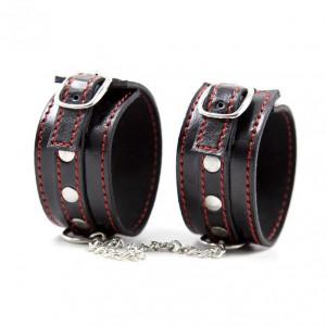 Регулируемые наручники black-red