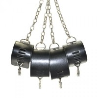 Бондажные наручники и поножи на цепях