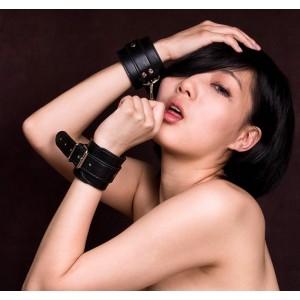БДСМ наручники черные